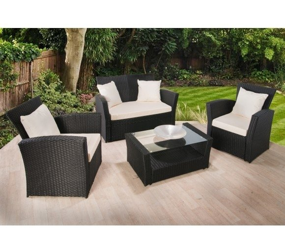 The Wide Offerings of Garden Furniture's